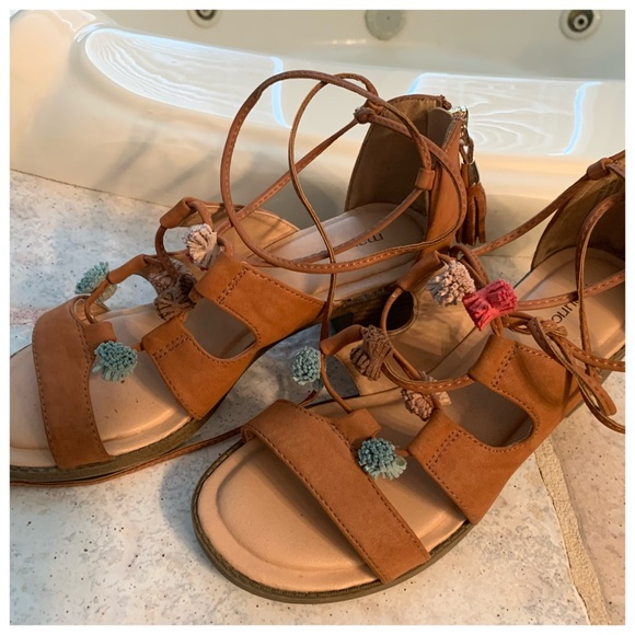 Maurices Shoes - Women's Size 9 Sandals